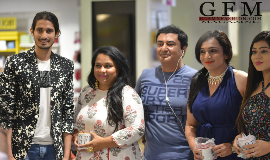 From a corporate to being the founder of GlamnFashion – How Feroz Khan built his business