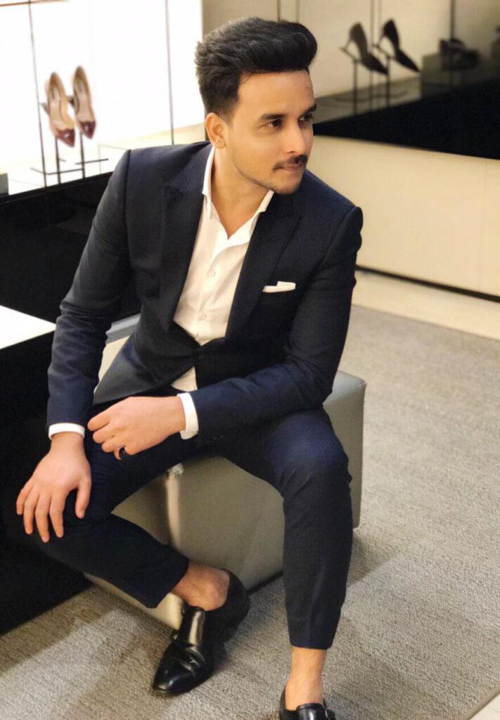 Aftab: A professional fashion stylist and Luxury retail Influencer